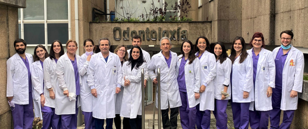 Foto de grupo del personal de la Unidad de Odontología para Personas con Necesidades Especiales